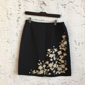 LIZ CLAIBORNE BLACK TAN FLORAL SKIRT 8